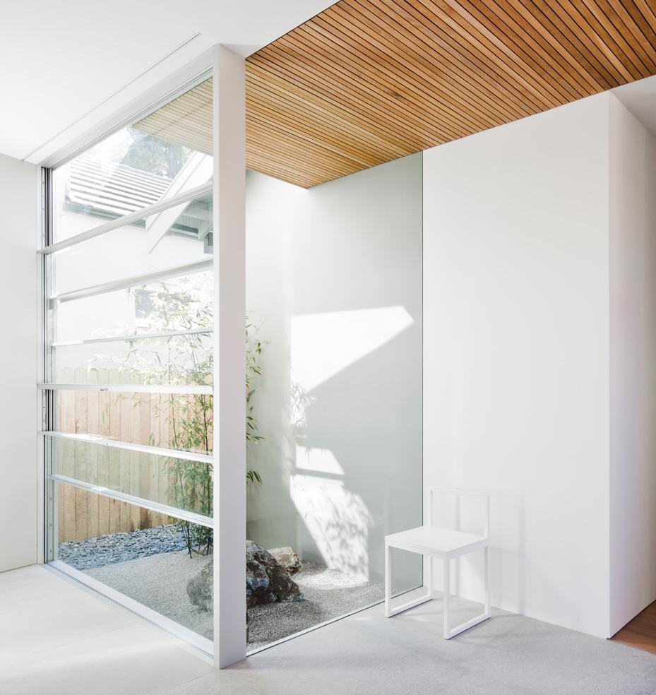 La fenêtre minimale originale: Guillotine Systeme par Vitrocsa