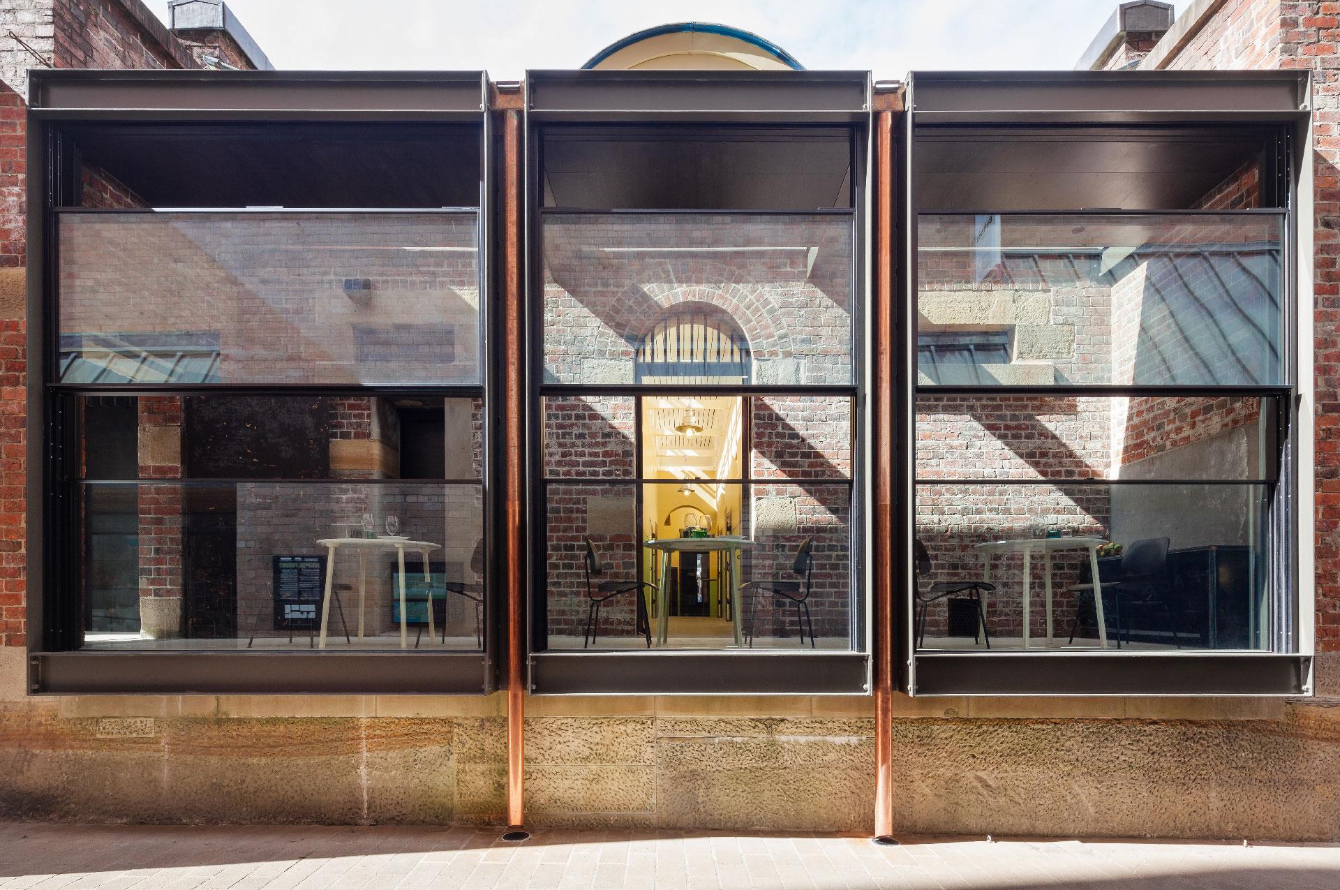 Vitrocsa-Senkrechtschiebefenster | Minimalfenster - Das Original