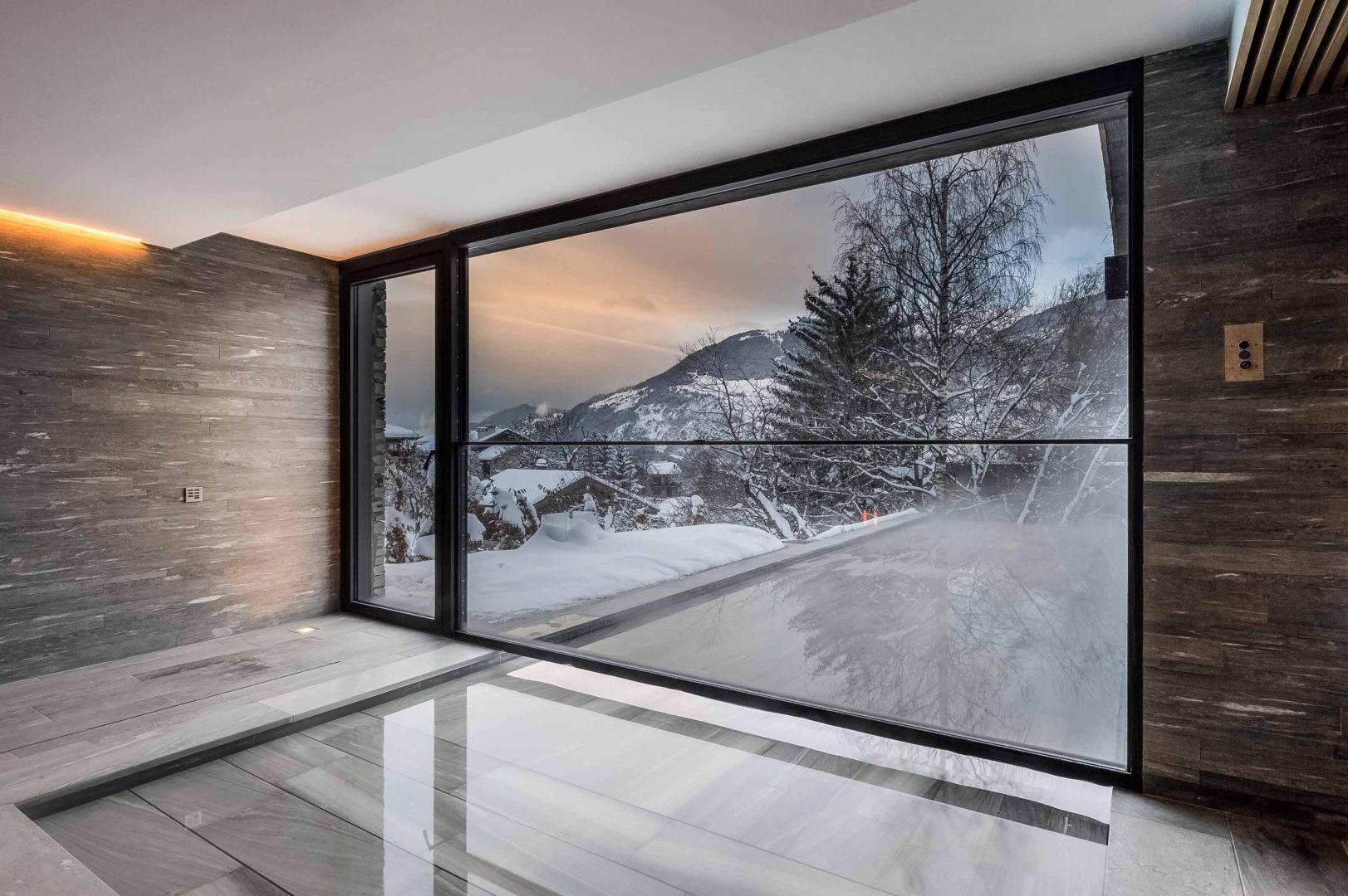 Guillotine Window in France | Vitrocsa