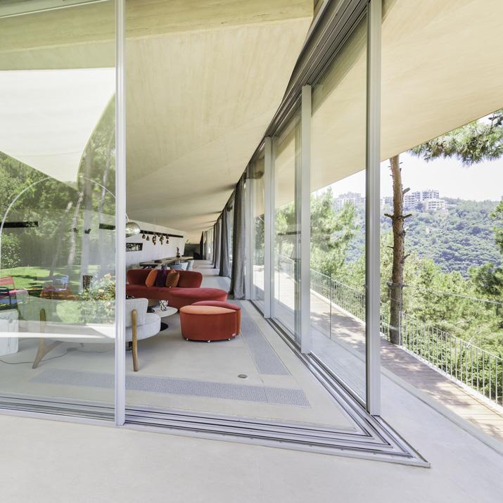 Fenêtre minimale originale: projet Vitrocsa à Beyrouth, Liban